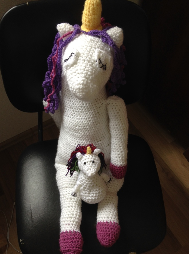 large-crochet-unicorn-small-crochet-unicorn