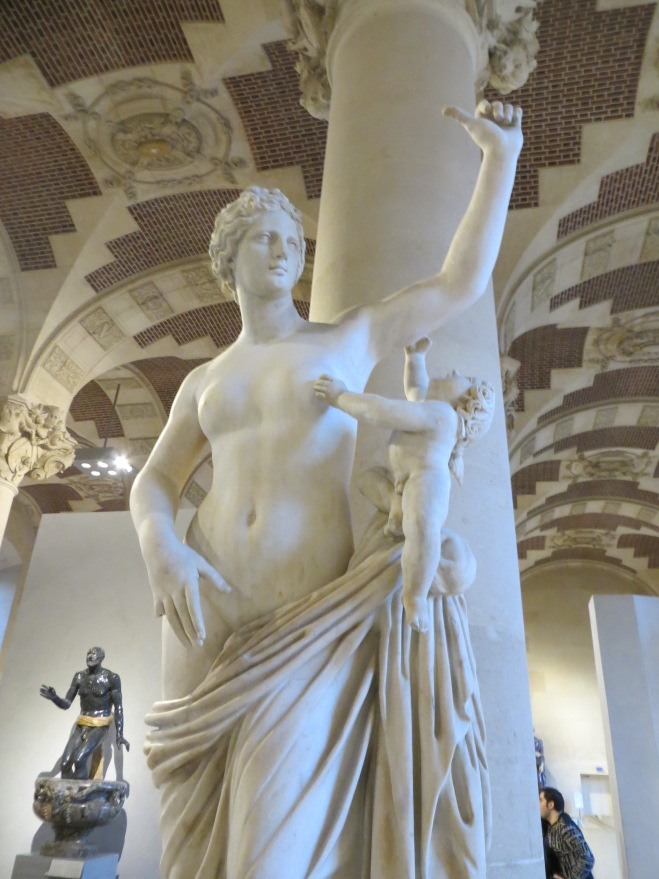 louvre-statue-2