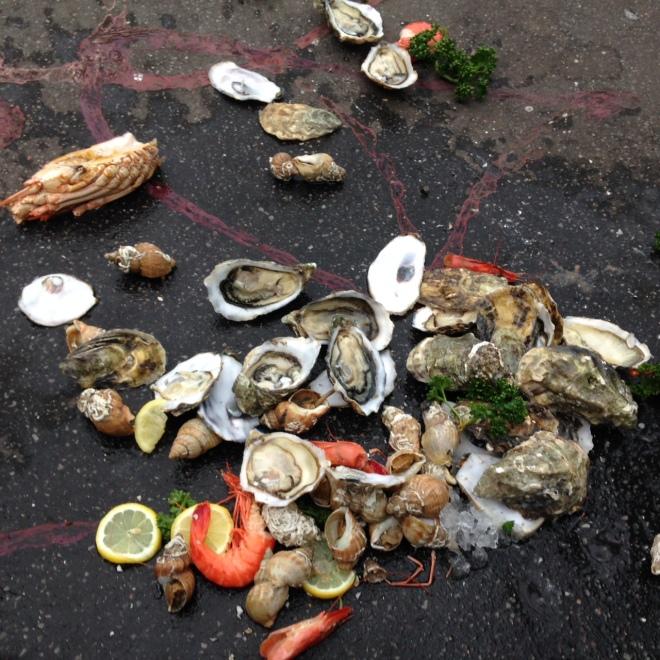 paris-street-garbage-seafood