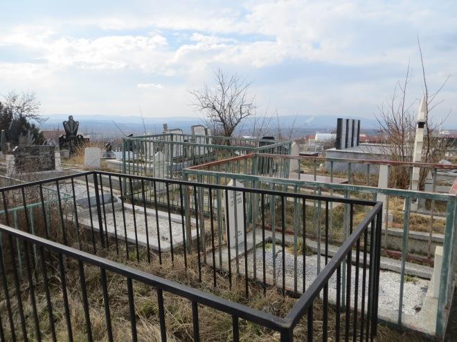 graveyard-pristina-kosovo
