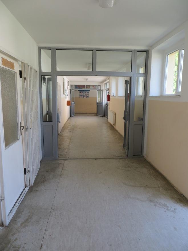hallway 1 kosovo school