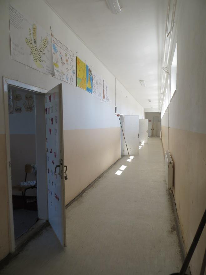 hallway 2 kosovo school