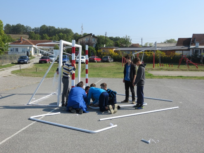 setting up soccer football net.JPG