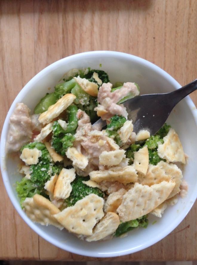 broccoli tuna salad crackers
