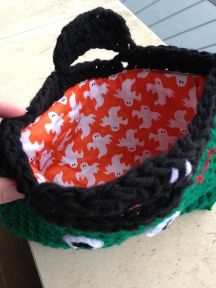trick or treat Halloween crochet bag 5